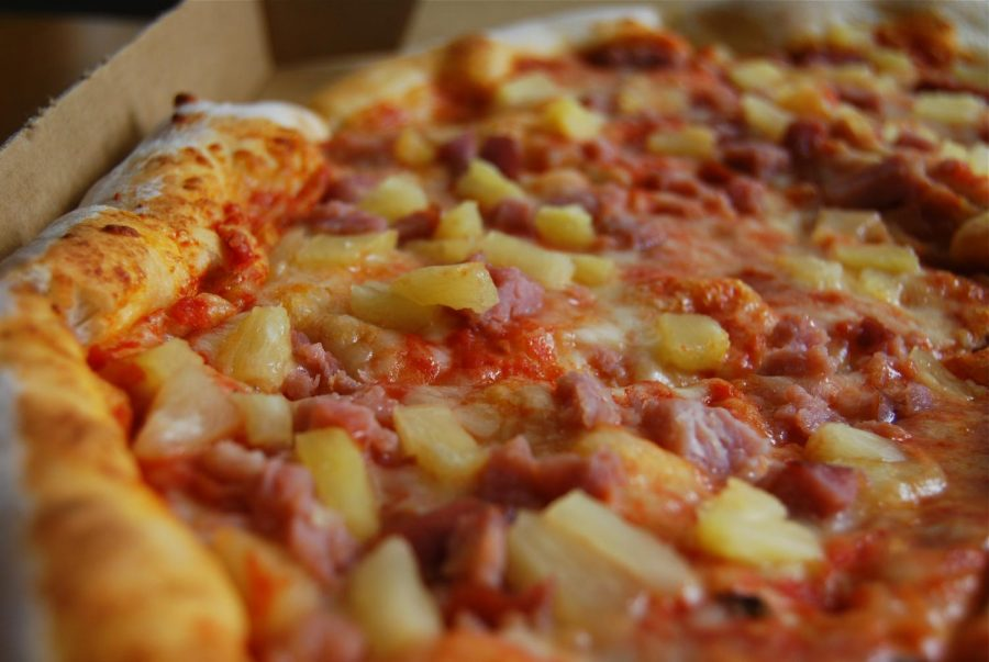 A pizza that pineapple lovers are sure to enjoy.