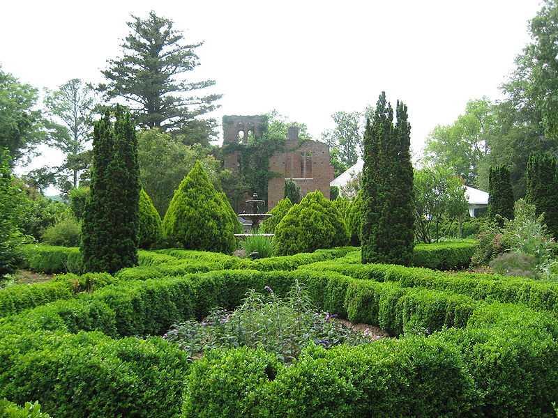 Barnsley+Gardens%3A+A+Local+Haunt+Spot